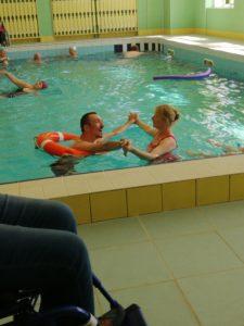 Upragniony obóz w Ciechocinku     Zmysłowo zakręcony taniec w basenie