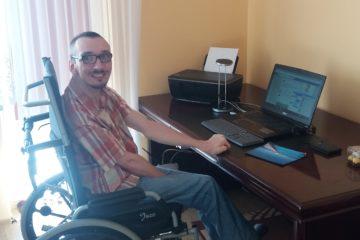 """""""Obywatel drugiej kategorii?"""" – czyli Wojciech Kaniuka bohaterem artykułu wPiśmie Ruchu Twórczego Osób Niepełnosprawnych FILANTROP naszych czasów"""